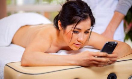 Does Watching Yourself Getting a Massage Have Greater Pain Relief?
