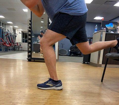 split squat jumpers knee